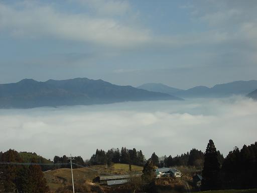 雲海の上は晴れて.JPG