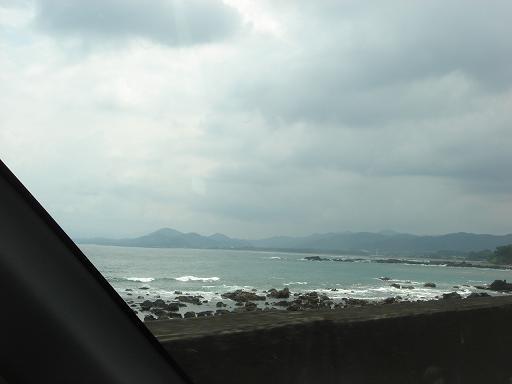 うす曇な空と海.JPG