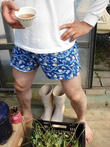 前田さんの白い足.JPG