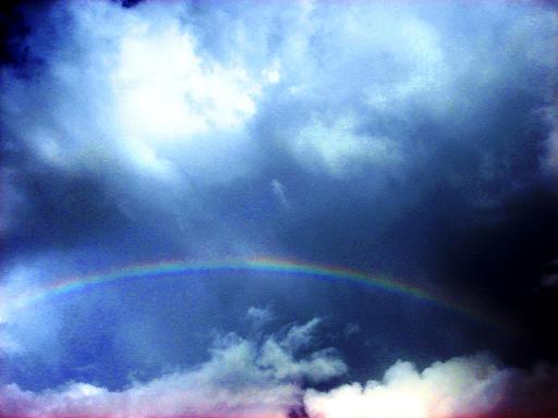 力強い雲と虹.JPG