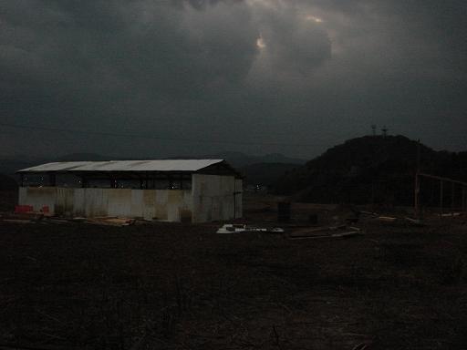 どす黒い雲.JPG