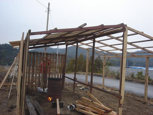 簡易屋根と壁.JPG