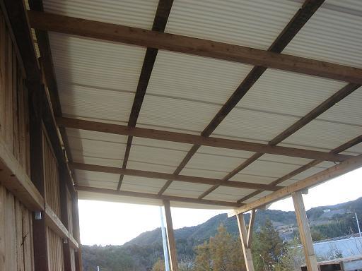 飼料庫の屋根.JPG