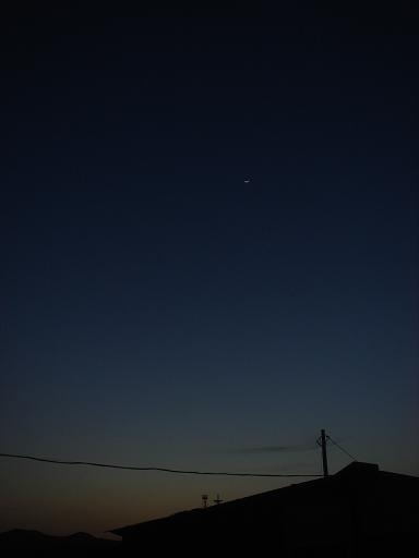 細い月が.JPG