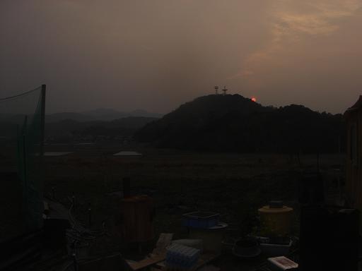日が沈む位置が.JPG