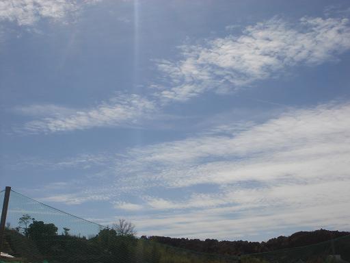 軽やかな雲.JPG