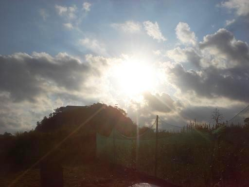 雲が多い朝.JPG
