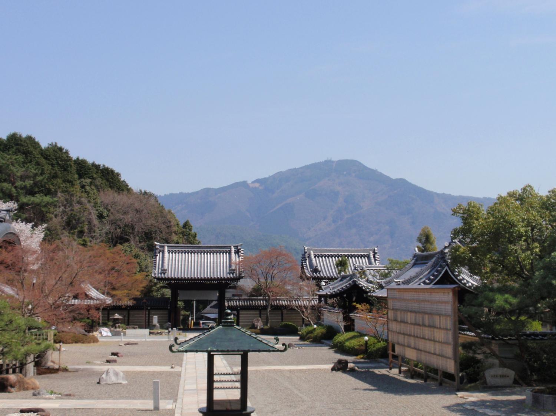 妙満寺より比叡山