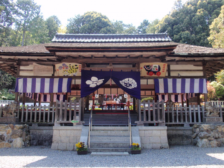 大に神社・拝殿