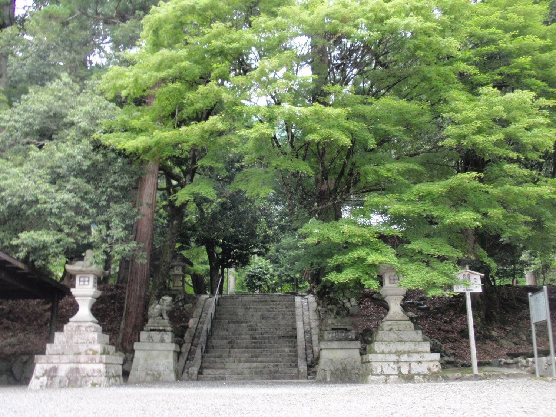地主神社・境内