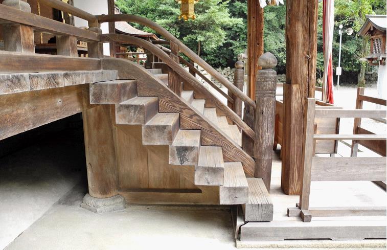 2013御上神社本殿木階ギボ