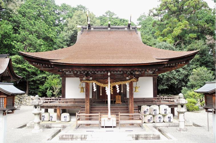2013御上神社本殿全景