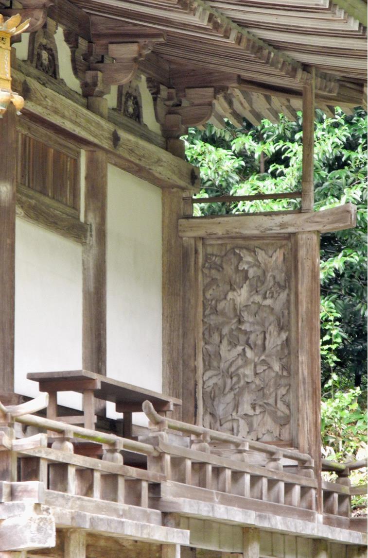 2013大笹原神社本殿脇障子jpg