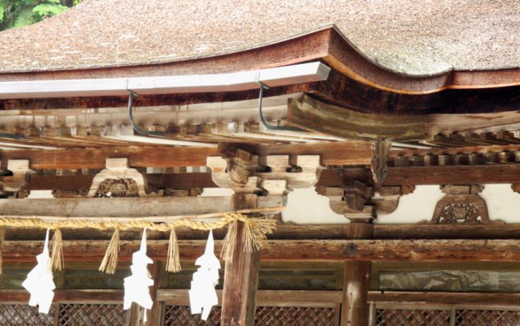 2013大笹原神社本殿軒周囲jpg