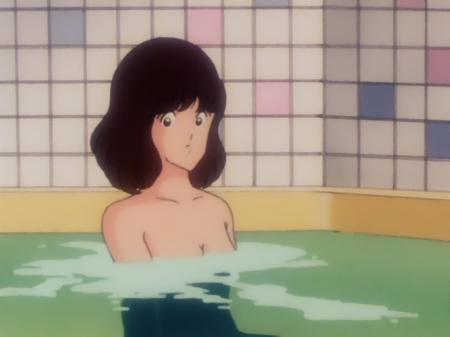 タッチ24 浅倉南の胸裸入浴シーン