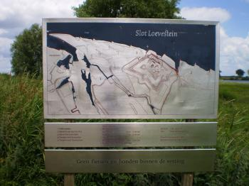 Slot Loevestein map