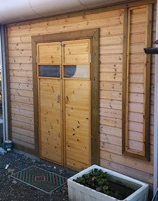 131124ペンキ塗り・ドア交換1