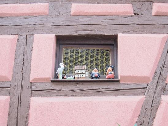 窓の飾り 1