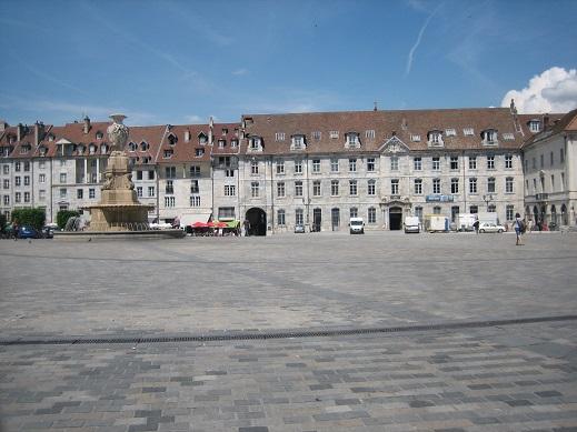 中心部の広場