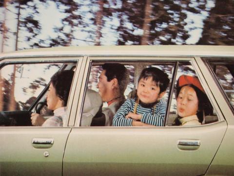 70年 ギャランエステートV ドライブイメージ