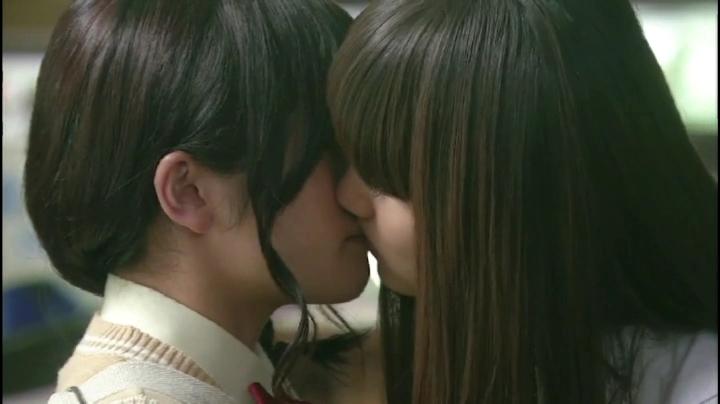 【がきんちょ…】コモモ(美山加恋)のキスシーン!3回目は女同士