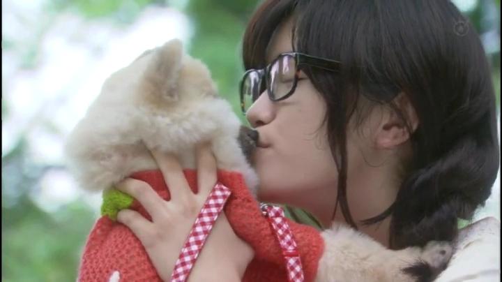 【がきんちょ…】コモモ(美山加恋)のキスシーン!2回目は愛犬マロンと