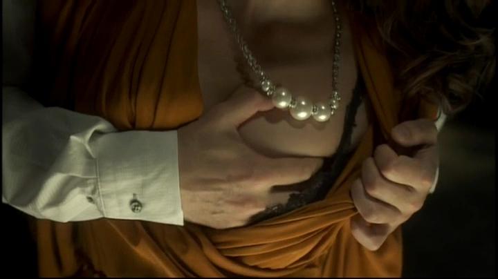 【ゴーバスターズ】エスケイプ(水崎綾女)【ユダ】で濡れ場披露!1胸を揉まれ