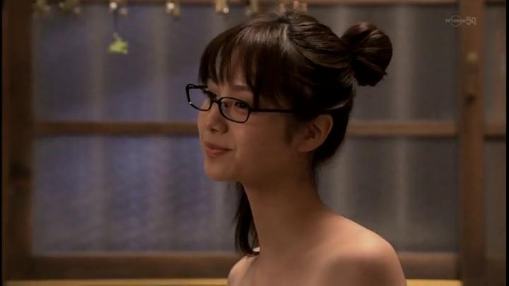 2代目【GTO】上原杏子(新川優愛)お宝入浴シーン!斜めからですが肩から上の露出が…
