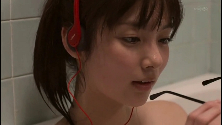 2代目【GTO】上原杏子(新川優愛)お宝入浴シーン!そしてメガネを外し…