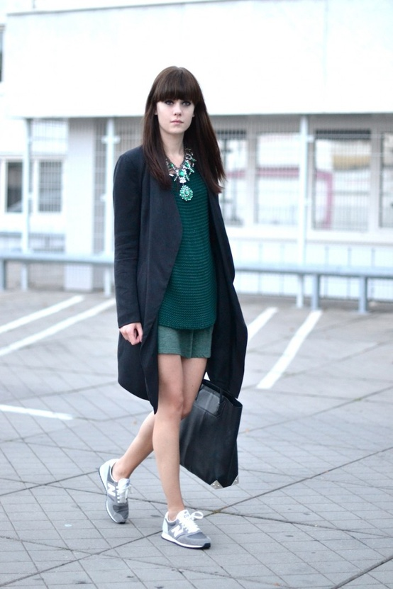 grey-new-balance-sneakers-street-style.jpg