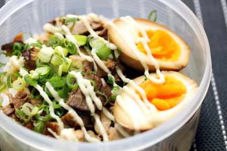 チャーマヨ丼弁当