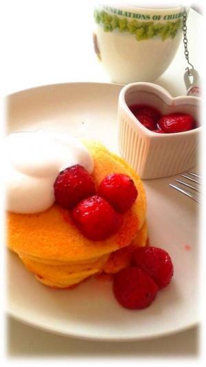 いちごのメレンゲパンケーキ1