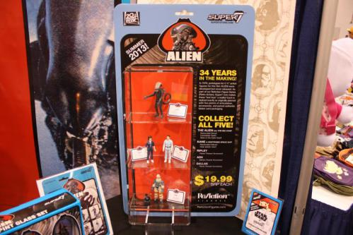Alien-Kenner-action-figures-super7-1_convert_20130331055558.jpg