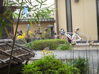 レストランから自転車