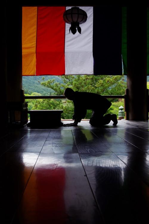 長谷寺 床拭き1
