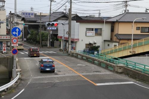 河和駅前の交差点