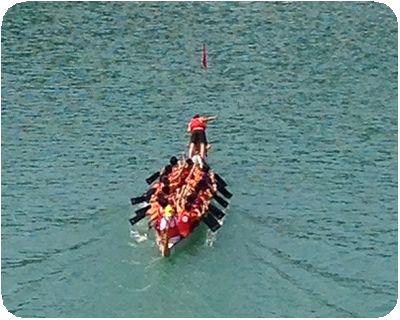 ドラゴンボートボート投げる