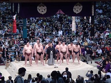 相撲協会挨拶。