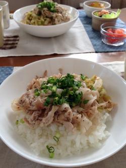 豚バラの香草塩和え丼