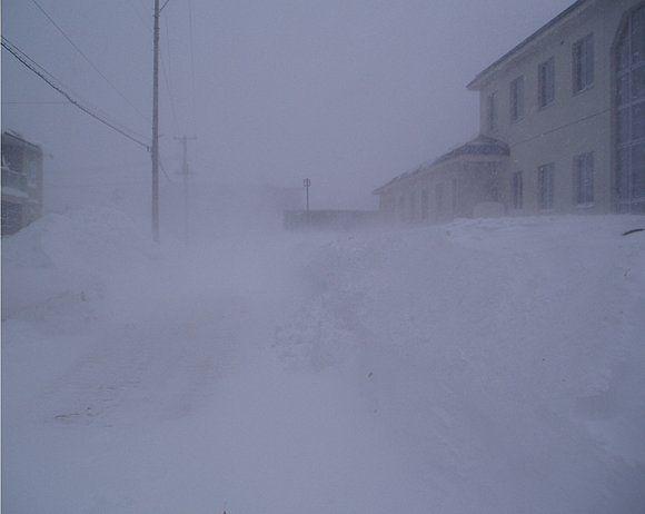 【緊急】 北海道がヤバイ 本日夜から『ホワイトアウト』 気象予報士「外出しないで」