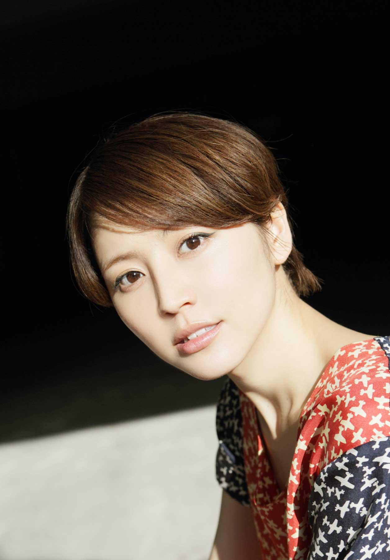 グラビアアイドル西田麻衣のかわいい水着 ...