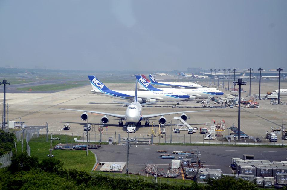 D70_4349Airport.jpg