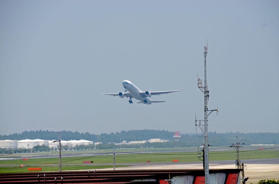 D70_4370Airport.jpg