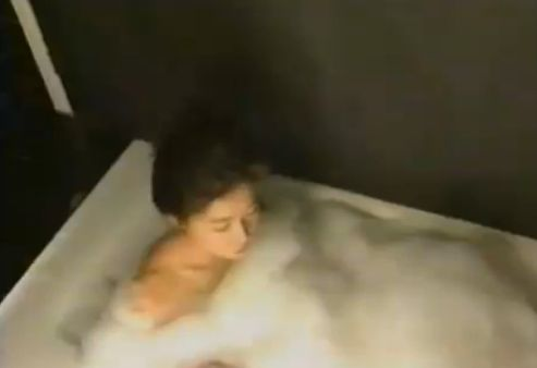 【細川ふみえ】泡まみれの入浴シーン