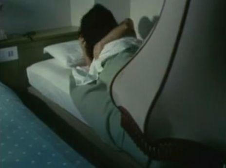 【金沢碧】抱き合って濃厚なキスをする濡れ場