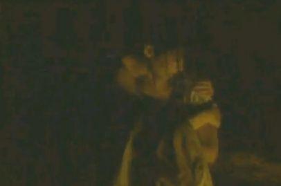 【尾野真千子】おっぱいを押し当てる密着抱擁シーン