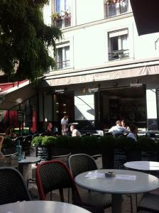 pariscafe3.jpg