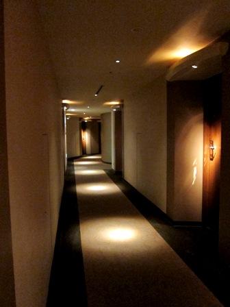 ナハナホテル 廊下