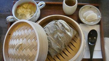 蓮の葉包蒸飯