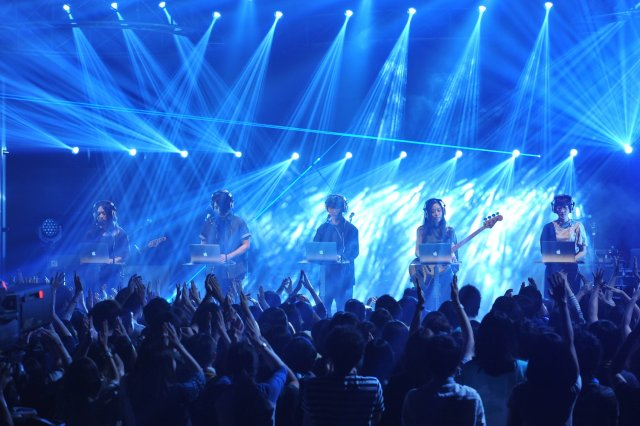 news_xlarge_sakanaction_livemonster_01.jpg